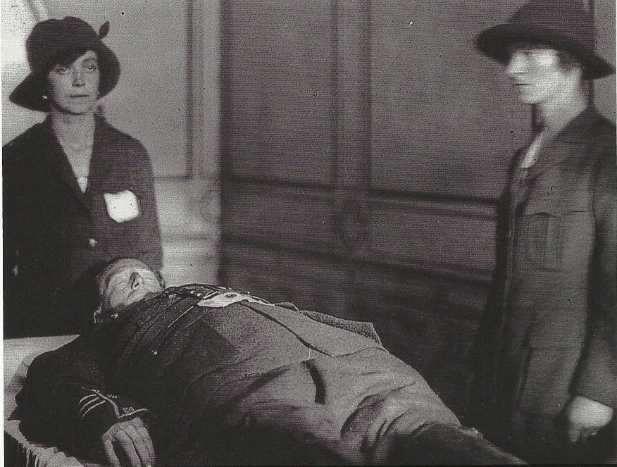 Cathal Brugha lies in State, with a Cumann Na mBan honour guard.