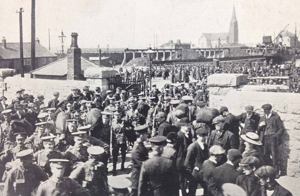 Troops at Spencer Dock , August 1914 (Courtesy NLI)