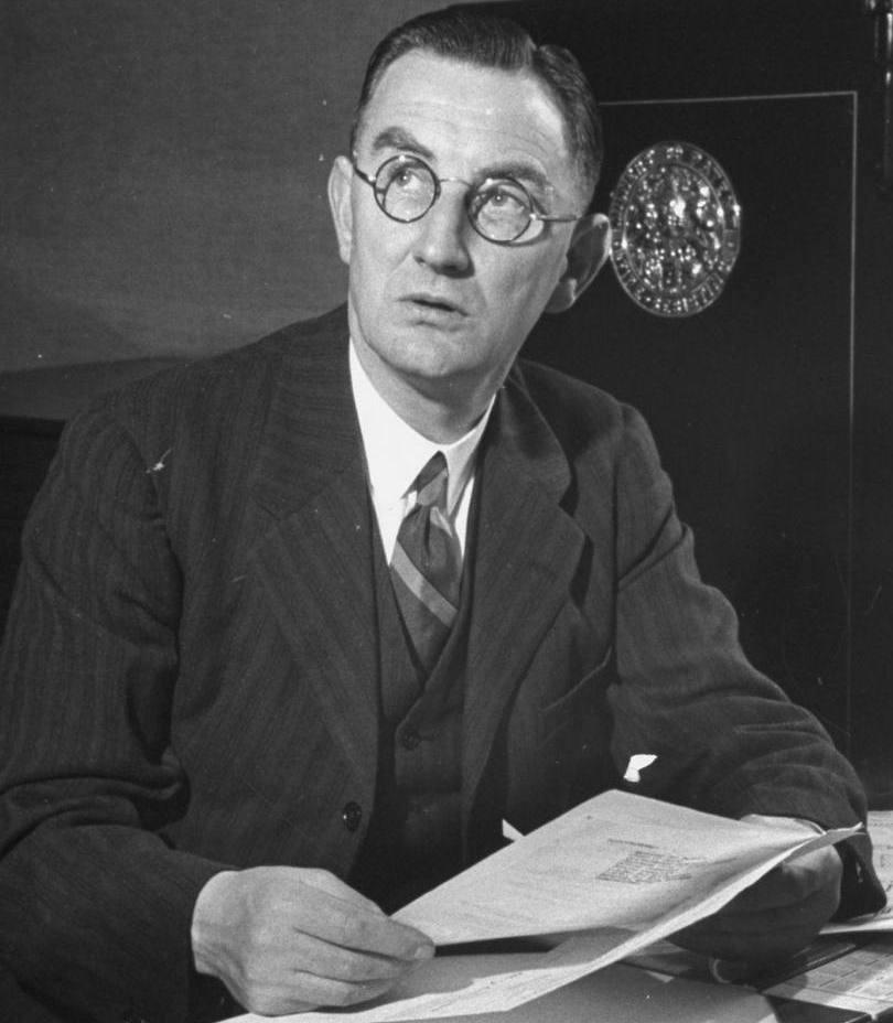 Oscar Traynor , Minister of Defence