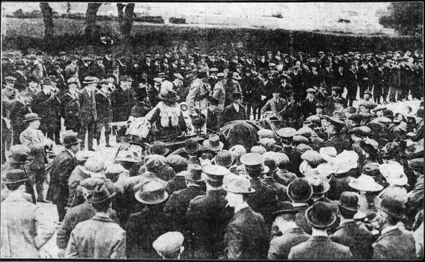ICA at Croydon Park 1914 . Includes Countess Markievicz , Captain Jack White and Francis Sheehy Skeffington.